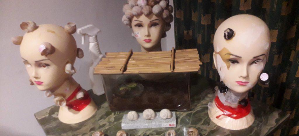 Fotografie instalace Šnek v hlavě
